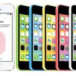 iPhone 5sの指紋認証(左)、iPhone 5c(右)